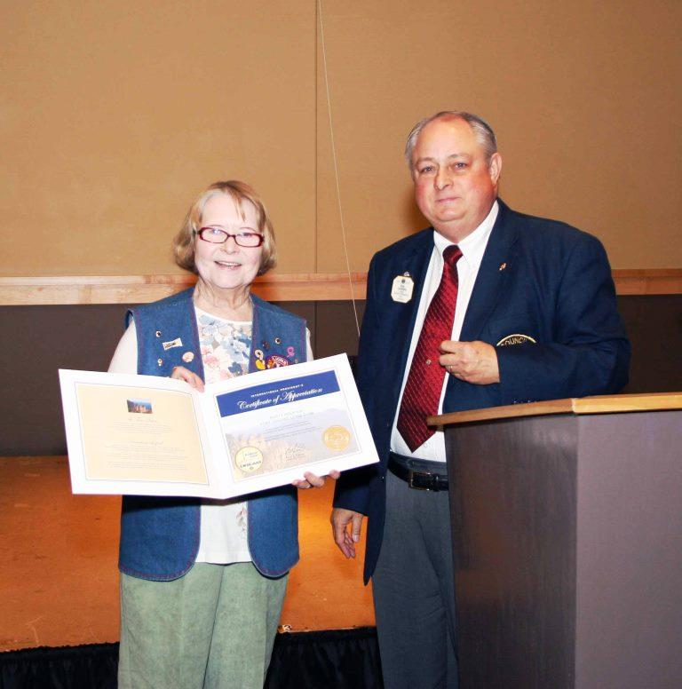 Rusty receives a Certificate of Appreciation